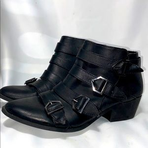 Sam& Libby Black 4 Buckle Booties Size 8